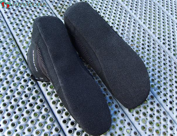 Soles of Feelmax Panka Barefoot Running Shoes