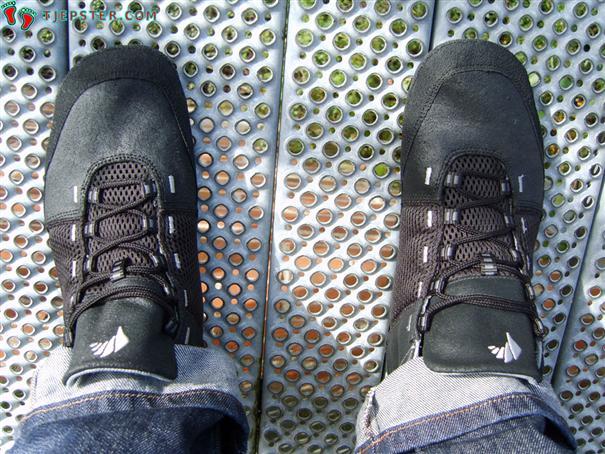 Feelmax Panka Barefoot Running Shoes on feet