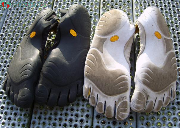 Soles of Vibram Five Fingers Classic